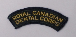 Royal Canadian Dental Corps badge (1947-1980), Museum of Health Care #010020053